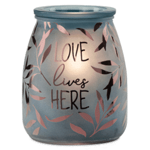 Love lives here scentsy warmer on